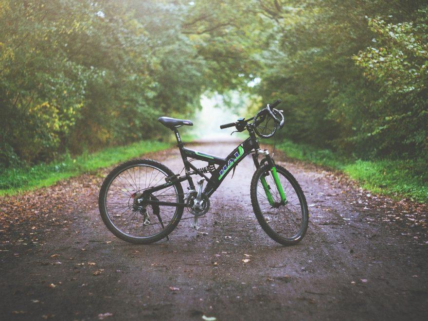 Utrustning till mountainbike